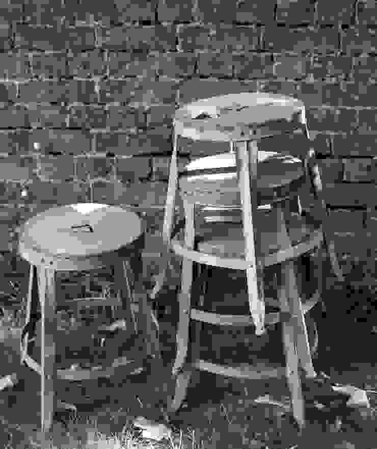 Industrial Metal cafe stool in grey matt brush64 Oturma OdasıTabure & Sandalyeler