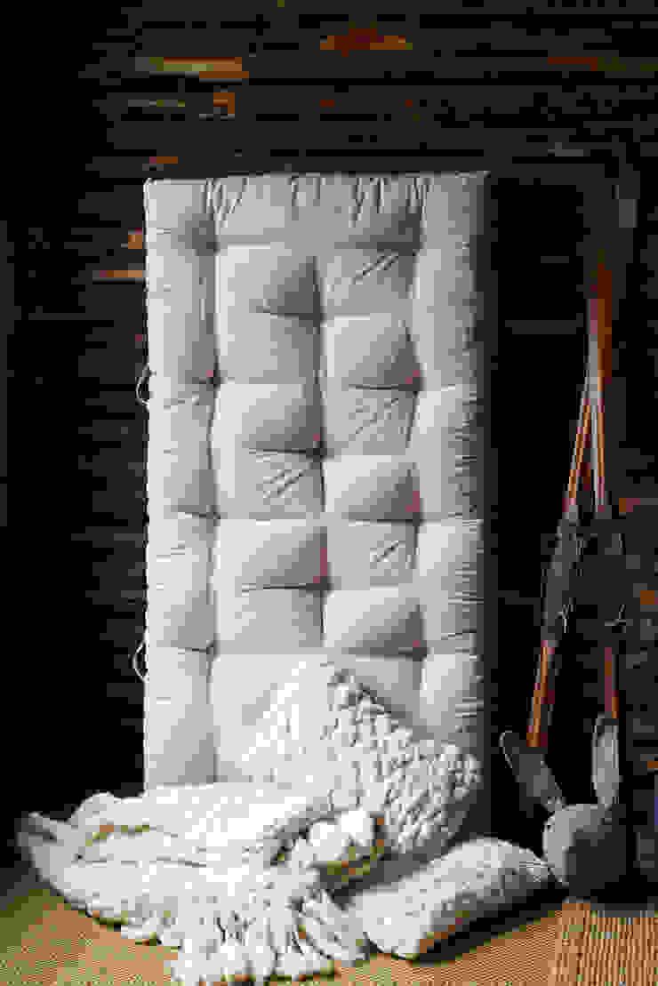 Handmade organic wool & horsehair mattress brush64 Yatak OdasıYataklar & Yatak Başları