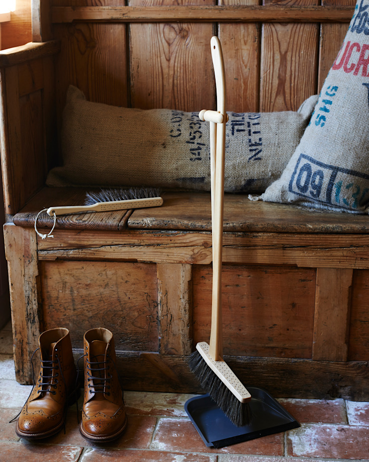 Handmade long handled dustpan and brush. brush64 Ev İçiEv Aletleri