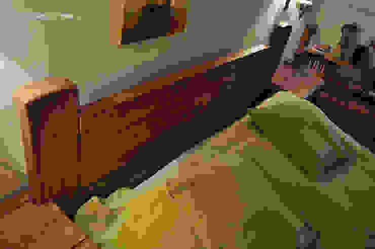 Zagłówek drewniany, ozdoba łóżka od Zakład Stolarski Robert Latawiec Rustykalny