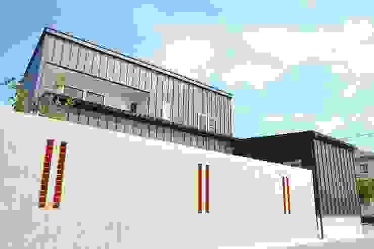 Casas estilo moderno: ideas, arquitectura e imágenes de 家楽舎 木田智滋住宅研究室 Moderno