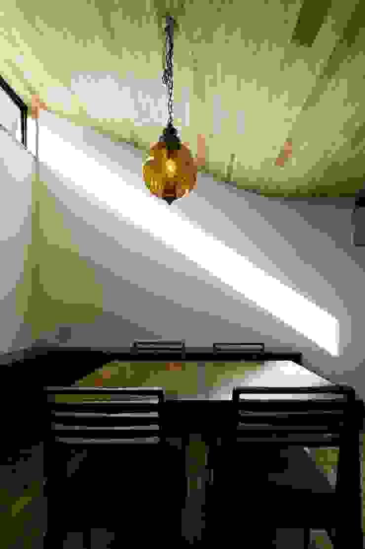 TKGA 照国町の光を取り込む家 モダンデザインの ダイニング の 太田則宏建築事務所 モダン