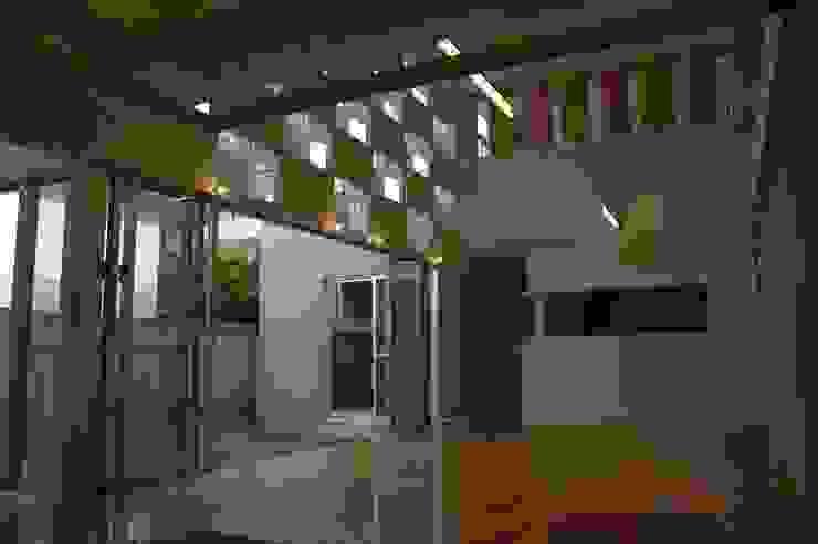 アアキ前田 株式会社 現代廚房設計點子、靈感&圖片