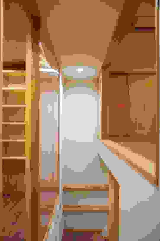 MSGS 真砂のコンパクトな家 モダンスタイルの 玄関&廊下&階段 の 太田則宏建築事務所 モダン