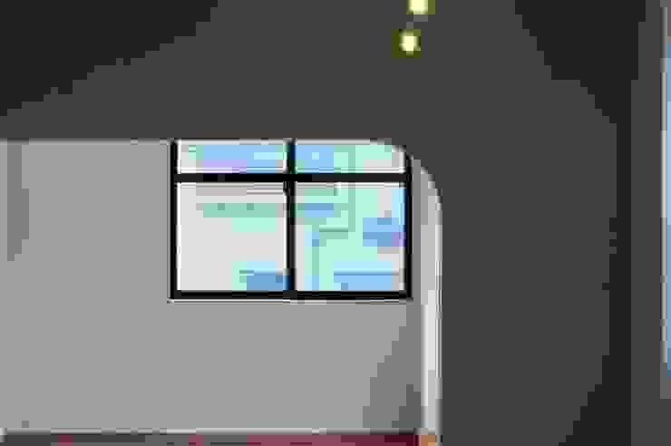 MSGS 真砂のコンパクトな家 モダンデザインの 多目的室 の 太田則宏建築事務所 モダン