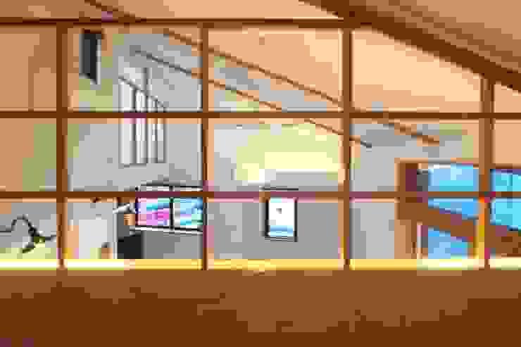 ARGA 姶良の雑木林の家 モダンデザインの 多目的室 の 太田則宏建築事務所 モダン