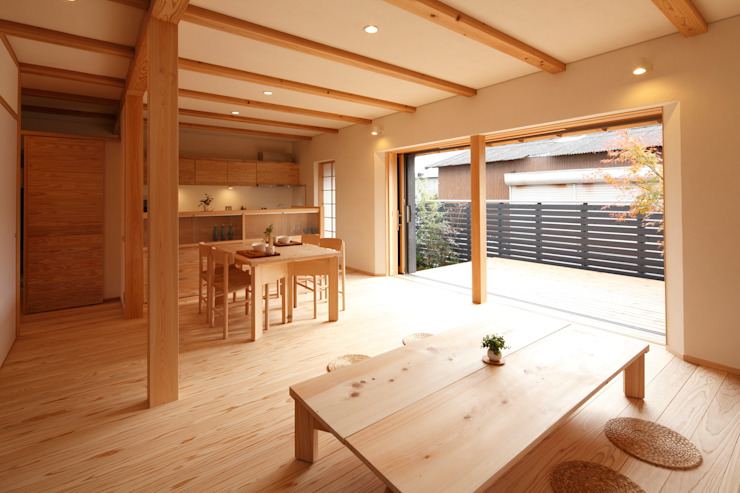 Eclectic style dining room by 株式会社 住まいず Eclectic