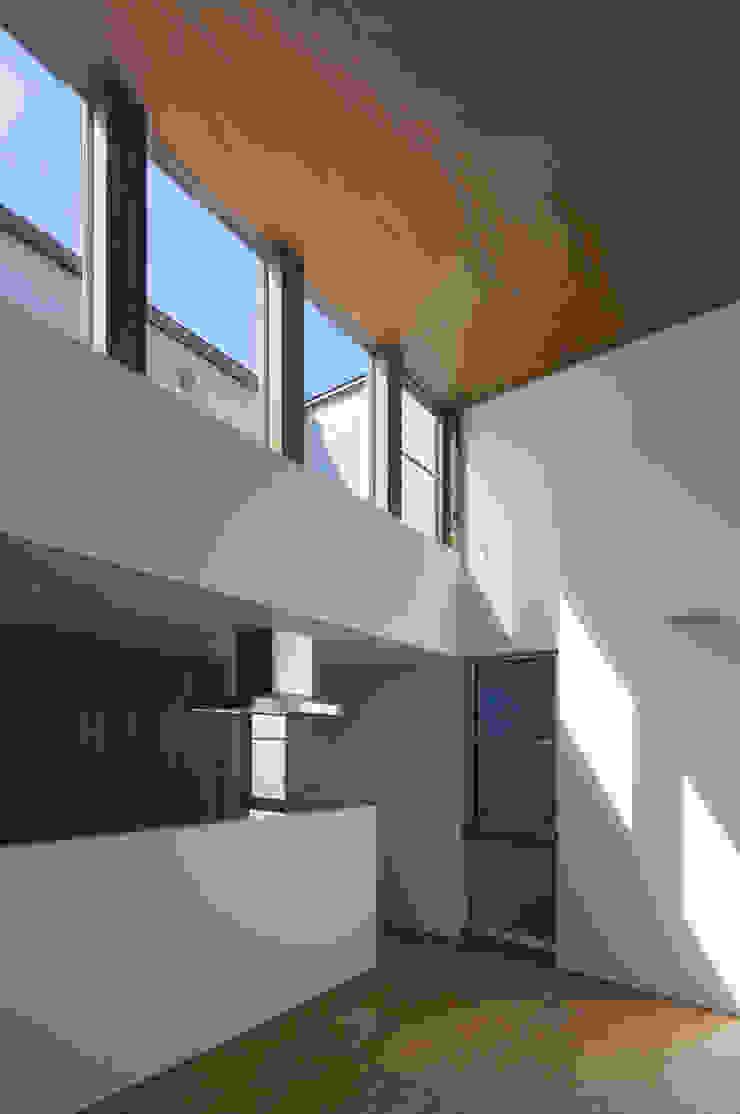anguilla house モダンデザインの リビング の 吉田慎二/建築・計画ワイズスタジオ モダン