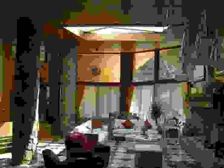 Veranda con inserimento Lucernaio Giardino d'inverno in stile mediterraneo di homify Mediterraneo