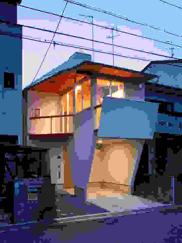 K氏のアトリエ・夕景 オリジナルな 家 の 塔本研作建築設計事務所 オリジナル
