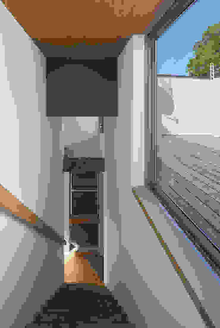 anguilla house モダンデザインの テラス の 吉田慎二/建築・計画ワイズスタジオ モダン
