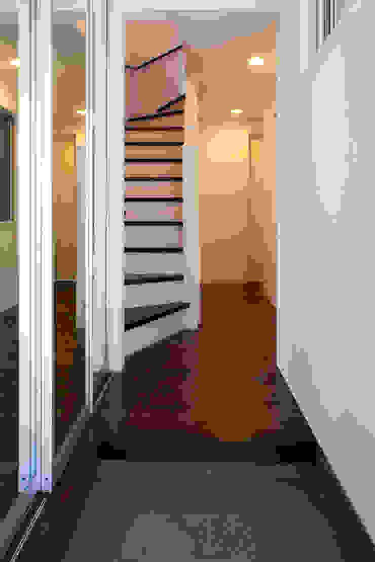 代沢の家/エントランスホール ミニマルスタイルの 玄関&廊下&階段 の アトリエ・ノブリル一級建築士事務所 ミニマル