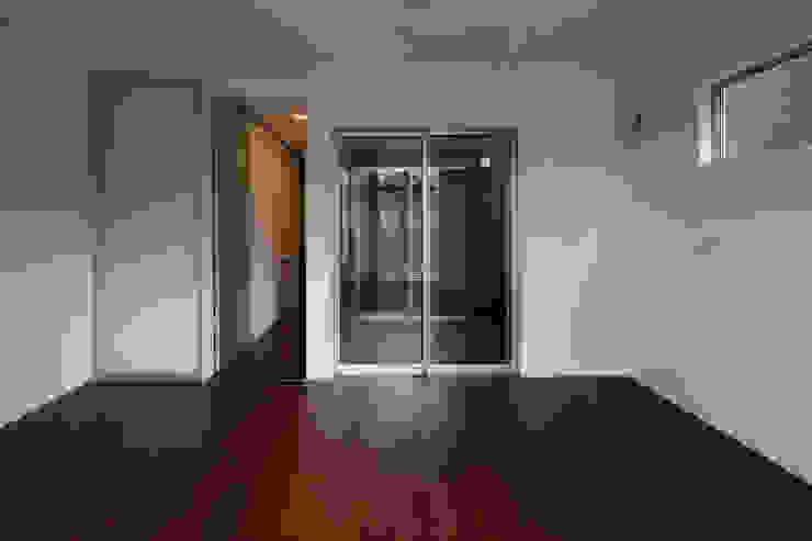 代沢の家/リビングルーム ミニマルデザインの リビング の アトリエ・ノブリル一級建築士事務所 ミニマル