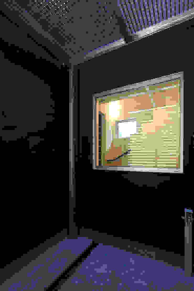 代沢の家/中庭 ミニマルな 家 の アトリエ・ノブリル一級建築士事務所 ミニマル