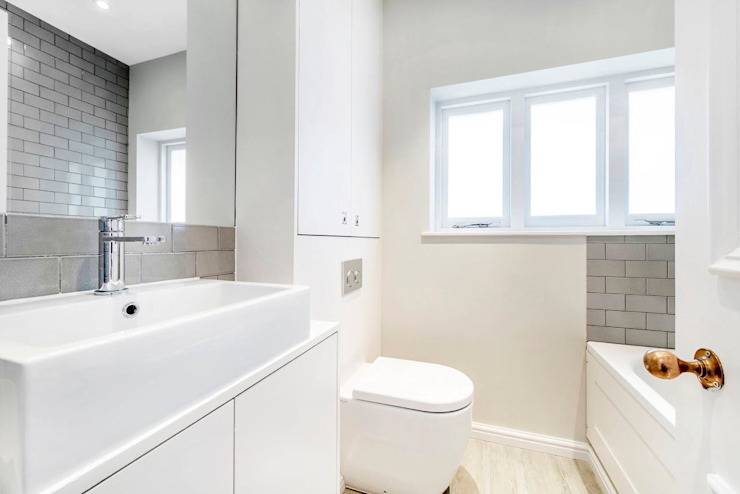 Tantallon Road Modern style bathrooms by Lambert&Sons Modern