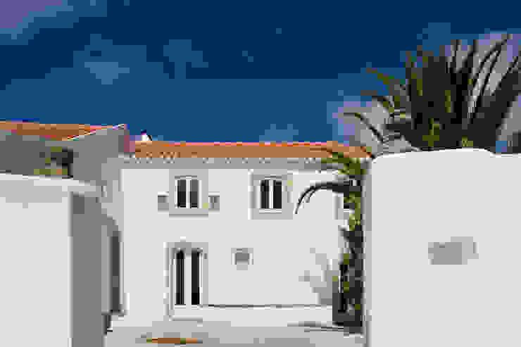 Casa em Torres Vedras Casas minimalistas por Atelier Central Arquitectos Minimalista
