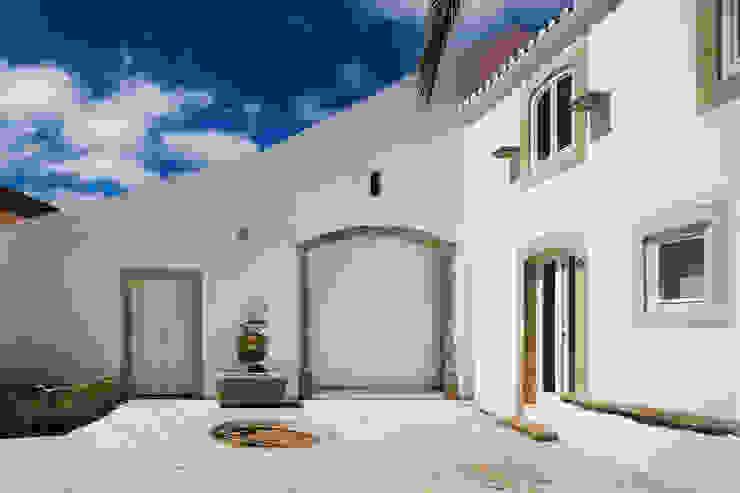 Minimalistyczne domy od Atelier Central Arquitectos Minimalistyczny