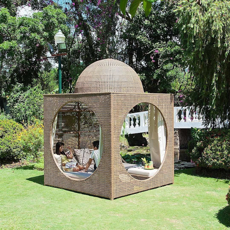 Rattan Garden Cabana, Weatherproof Wicker Shade Room and Sun Loungers de Ingarden Ltd Moderno