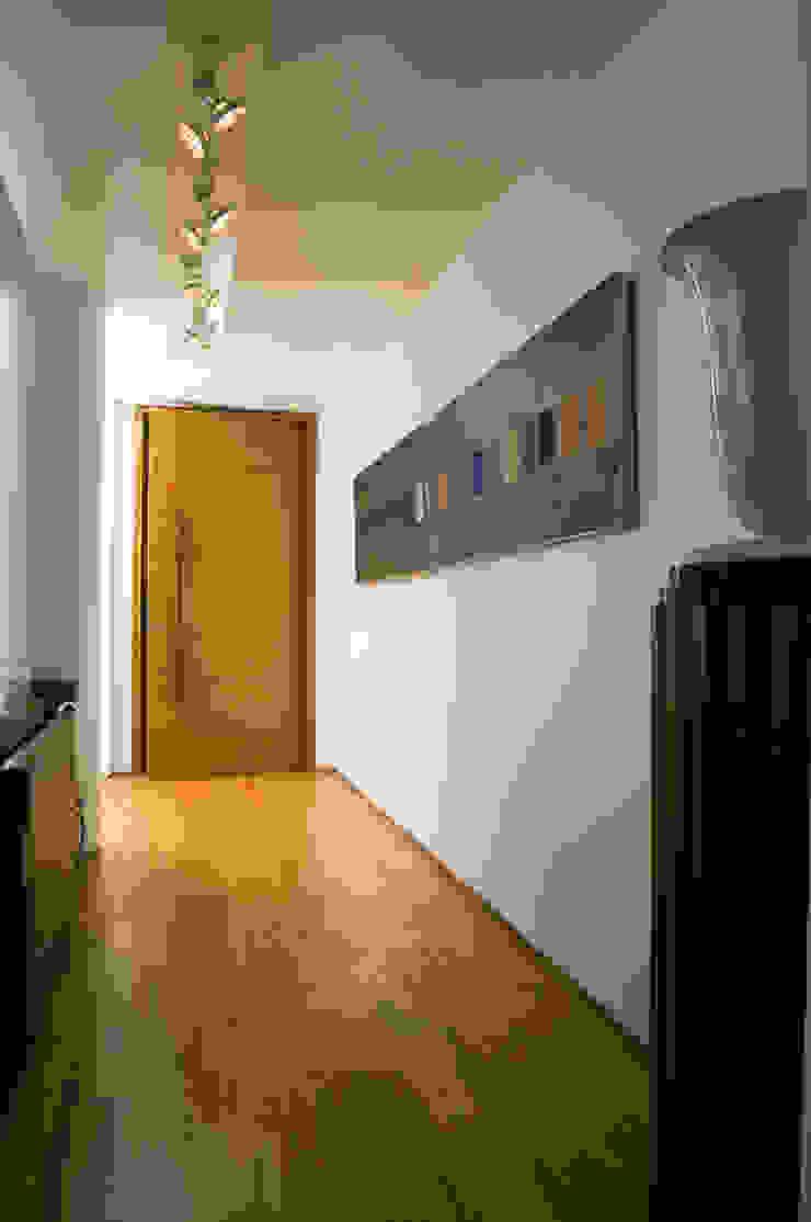 Apartamento Arpoador Corredores, halls e escadas modernos por Bel Castro Arquitetos Moderno