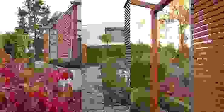 prosta pergola z drewna ma zaintstalowane ruchome żaluzje od Autorska Pracownia Architektury Krajobrazu Jardin Nowoczesny