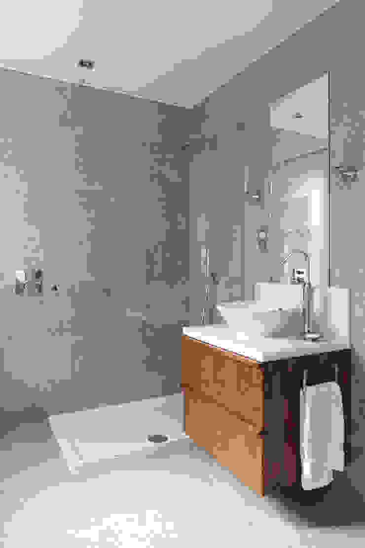 St Peter's Road, London Nigel Bird Architects Salle de bain moderne
