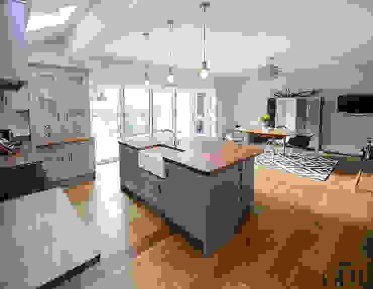 مطبخ تنفيذ Grand Design London Ltd, حداثي
