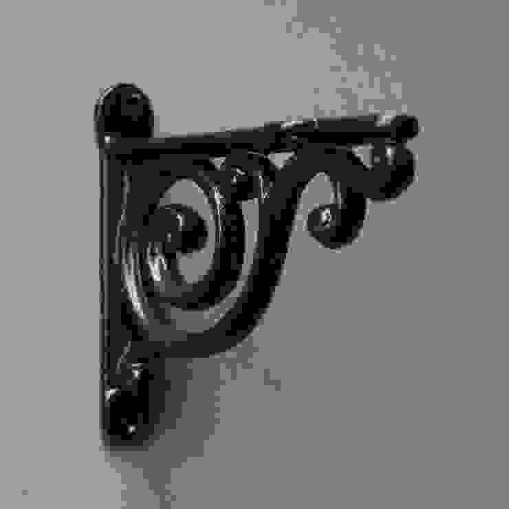 Cast Iron Shelf Brackets de Yester Home