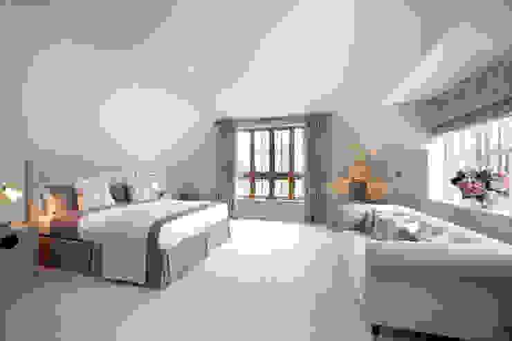A Country Home Schlafzimmer im Landhausstil von Emma & Eve Interior Design Ltd Landhaus