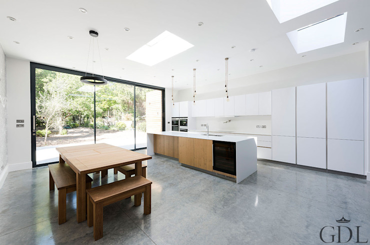 St Mary's Crescent, London - Kitchen Extension Minimalist dining room by Grand Design London Ltd Minimalist