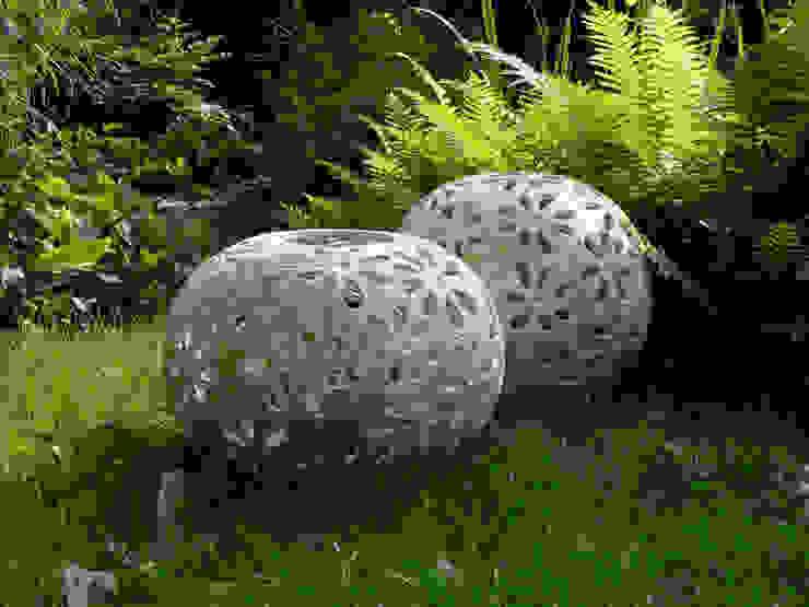 Ażurowe kule ogrodowe od Pracownia Ceramiki Artystycznaj Nowoczesny