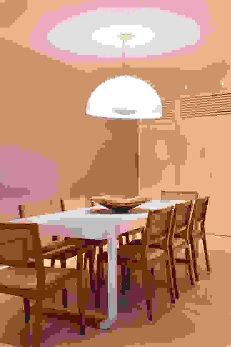 Apartamento Salas de jantar modernas por Bel Castro Arquitetos Moderno
