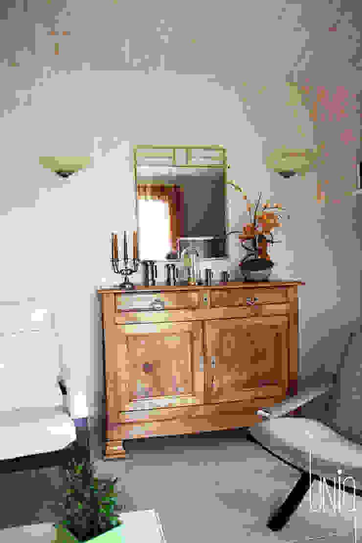 salon après travaux Salon classique par Uniq intérieurs Classique