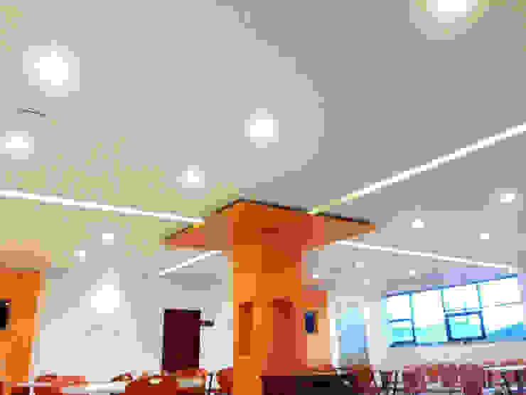 Detalle de iluminación Paredes y pisos de estilo industrial de Visual Concept / Arquitectura y diseño Industrial