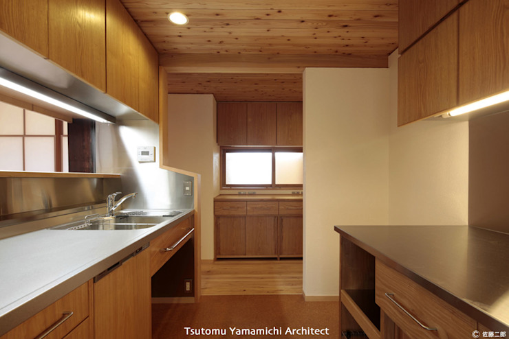 山道勉建築 Kitchen Wood Wood effect