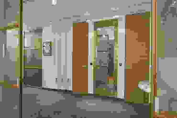 Квартира 84 кв.м Коридор, прихожая и лестница в эклектичном стиле от DECORA Эклектичный