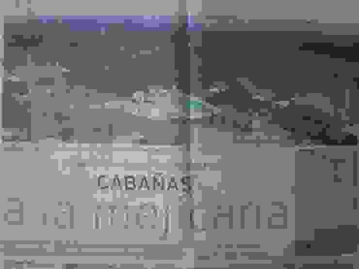 PUBLICACIONES ARQ JAVIER LOYOLA de CASAS&CABAÑAS by ARQ JAVIER LOYOLA Rústico