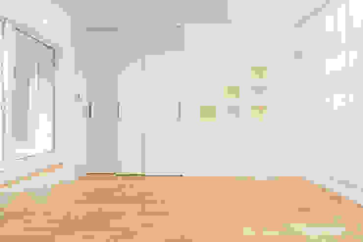 『ソラ庭のある家』 モダンデザインの 子供部屋 の 納得住宅南大阪 モダン