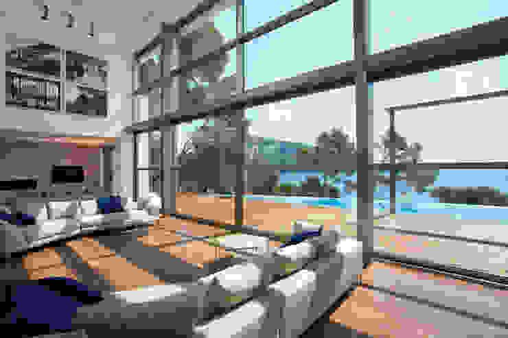 Formentor. Mallorca Salas de estar modernas por Alibaz Inversiones Moderno