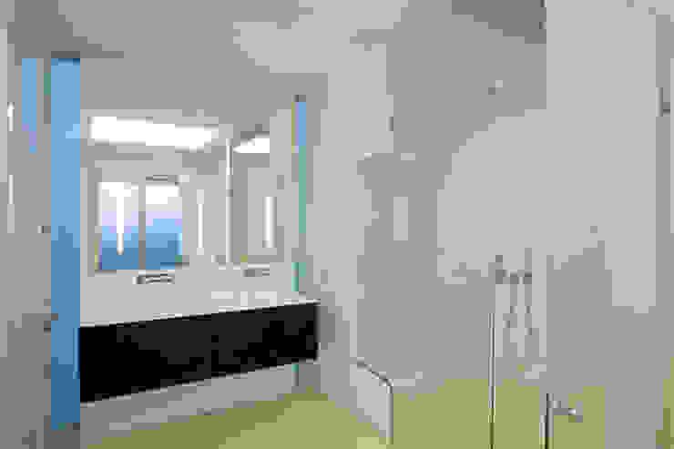 Formentor. Mallorca Banheiros modernos por Alibaz Inversiones Moderno