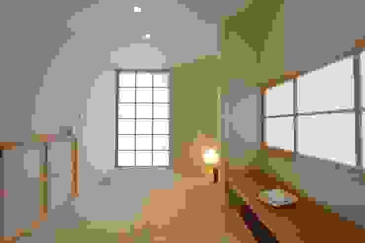 三畳の籠れ和室 和風デザインの 多目的室 の 株式会社北村建築工房 和風