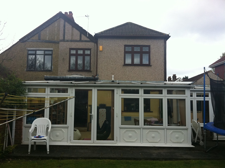 Rear Extension: modern  by Oakman, Modern