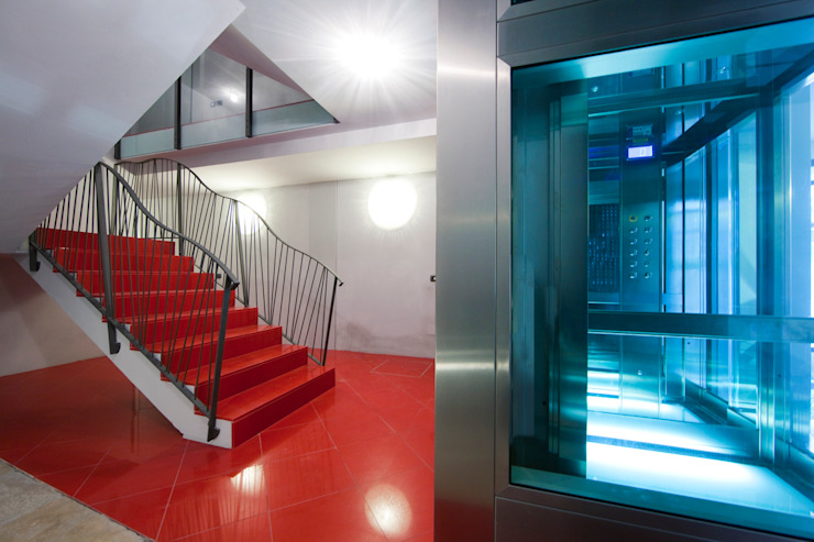 ascensore Ingresso, Corridoio & Scale in stile moderno di graziella bloccari architetto Moderno