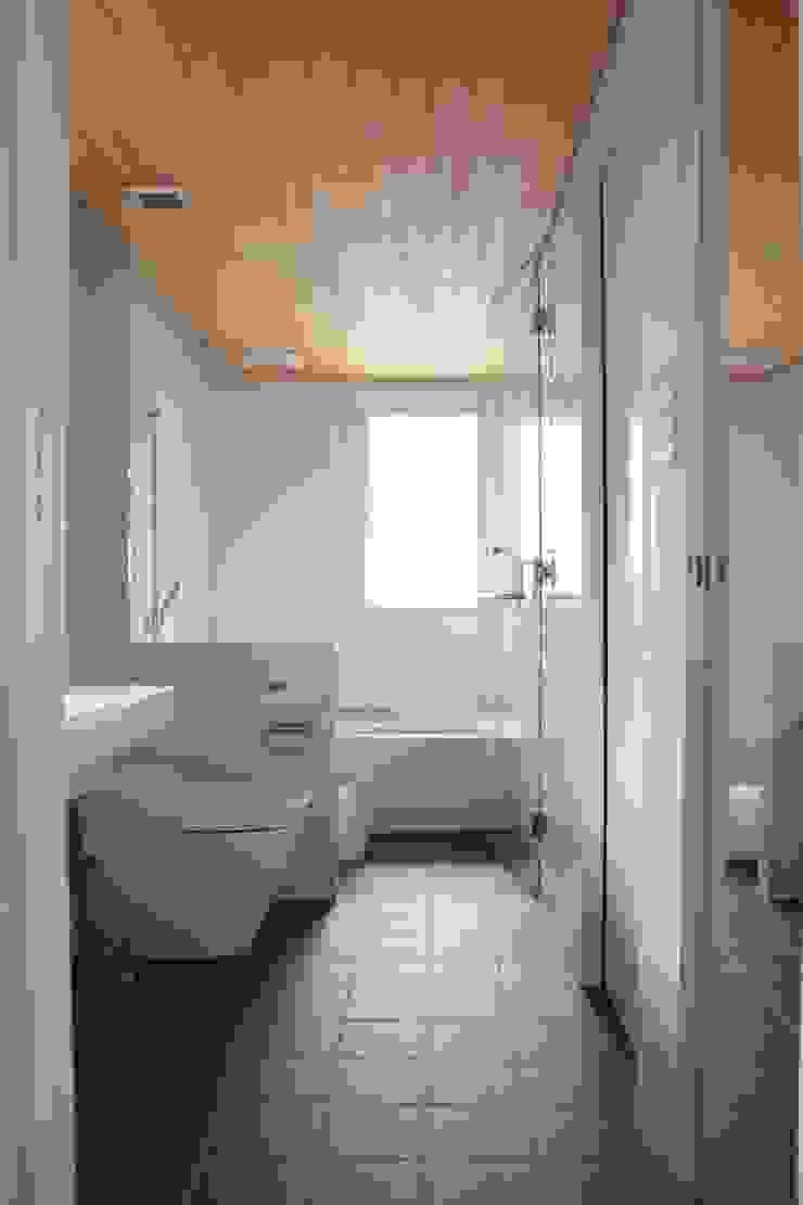 iie design モデルハウス モダンスタイルの お風呂 の 一級建築士事務所 iie design モダン