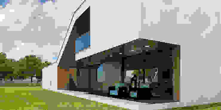 Modern Houses by D C K Modern