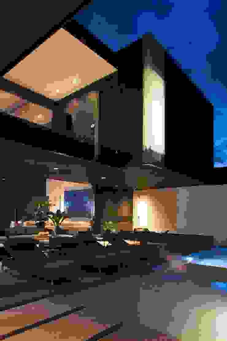 Modern houses by GLR Arquitectos Modern