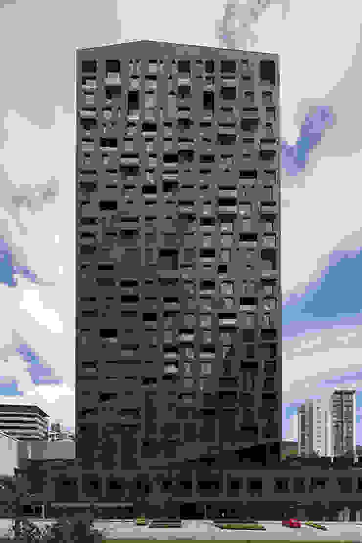 Moderne Häuser von GLR Arquitectos Modern
