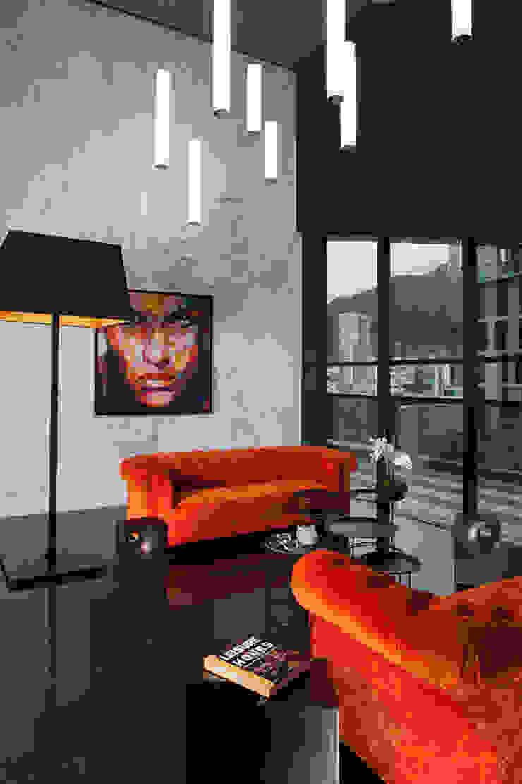 Moderner Flur, Diele & Treppenhaus von GLR Arquitectos Modern