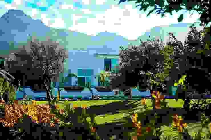 Projekty,  Domy zaprojektowane przez ÖZYALÇIN CONSTRUCTION ,