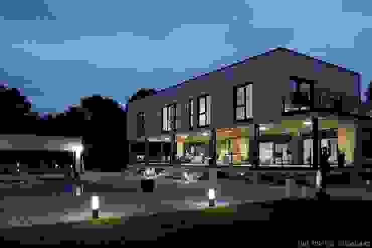 Projekty,  Domy zaprojektowane przez STUDIOLARQ, Nowoczesny