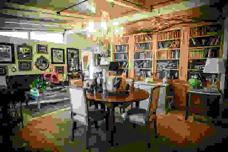 Salas de jantar clássicas por il giaggiolo sas Clássico